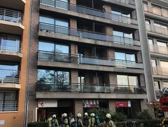 """Hevige brand in kelder appartementsgebouw: """"Automatisch blussysteem heeft ramp voorkomen"""""""