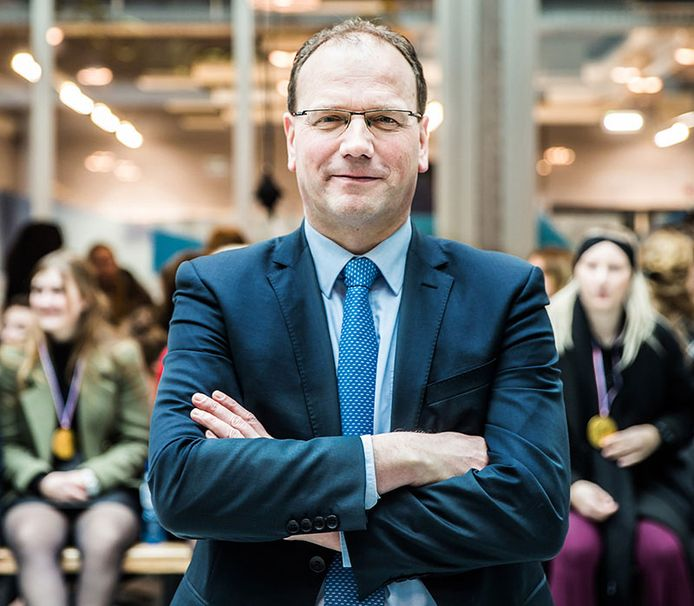 Ton Heerts wordt burgemeester in zijn eigen woonplaats Apeldoorn.