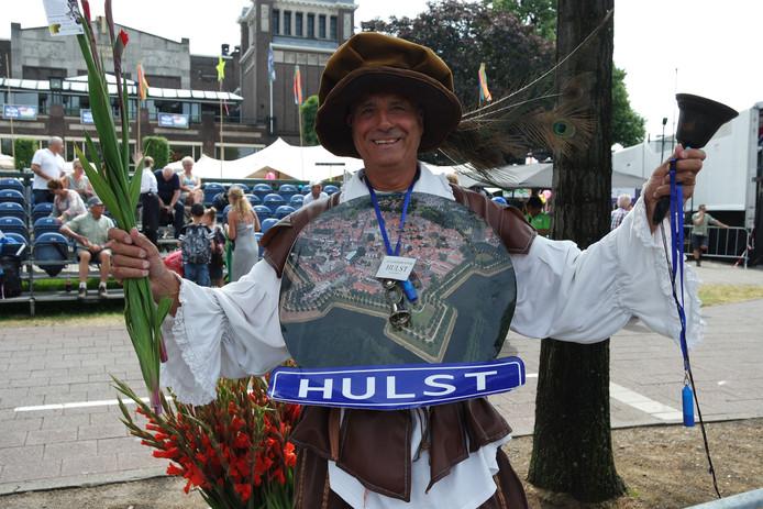 Jan Rubbens 66, stadsomroeper Hulst, heeft de hele week alle Hulstenaren en Zeeuwen aangemoedigd.