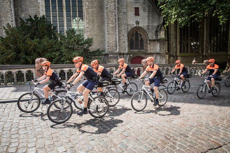 In Gent gaat de politie al langer met de fiets op patrouille.