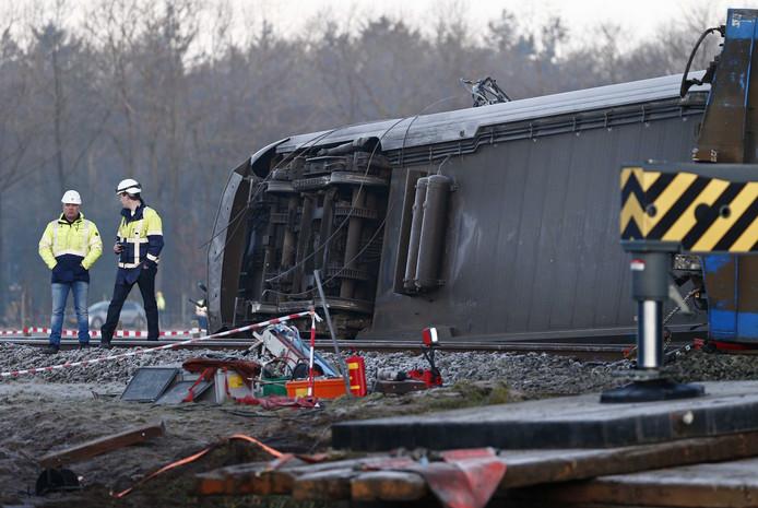 Bij het treinongeluk kwam een man om het leven.