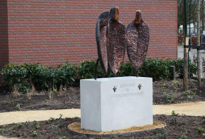 Esch is een beeld rijker dat bedoeld is als eerbetoon aan de Zwarte Zusters.