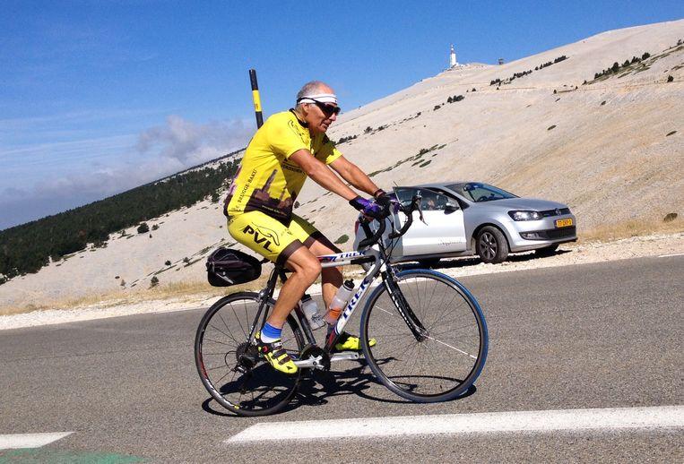 2015: Roland Hurtecant bij de 200ste beklimming van zijn Mont Ventoux.