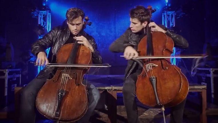 Indrukwekkende performance van 2Cellos