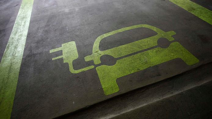 Elektrische Auto Verbruikt Vaak Te Veel Benzine Nieuws Ad Nl
