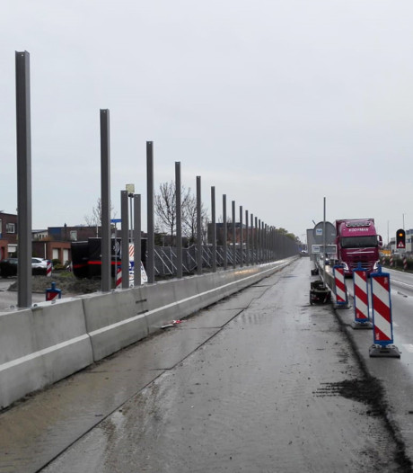 Gigantische wegenreconstructie: Soort van 'Berlijnse Muur' langs Burgemeester Elsenweg