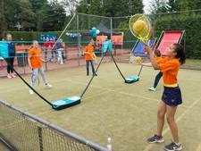 Ballen vliegen in het rond tijdens Kids- en Teensday bij Breda Future