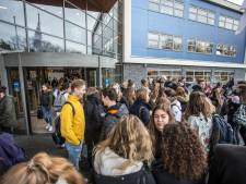 Docent 'kapot' van ophef over porno in klas, school sluit terugkeer niet uit