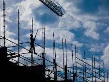Onderzoek: prijzen huizen- en kantorenmarkt veel te hoog, kans op crash neemt toe