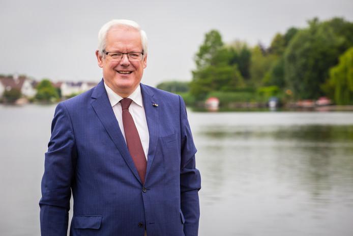 Govert Veldhuijzen is nu nog waarnemend burgemeester van de Hoeksche Waard.