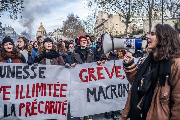 Fransen weer de straat op voor pensioenprotest.