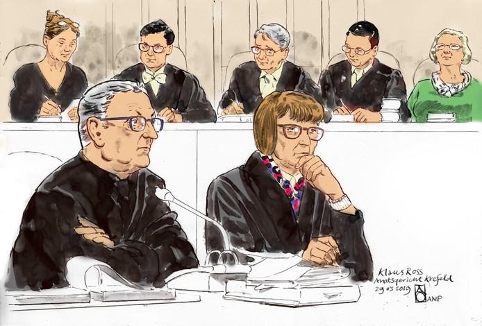 Rechtbanktekening van Klaus Ross.