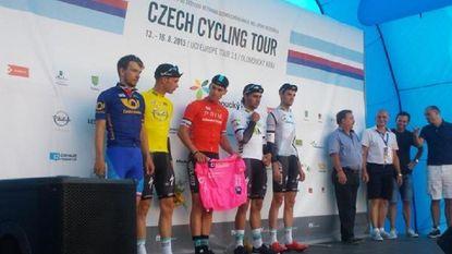 Etixx-Quick.Step wint ploegentijdrit in Tsjechië, Stybar leider