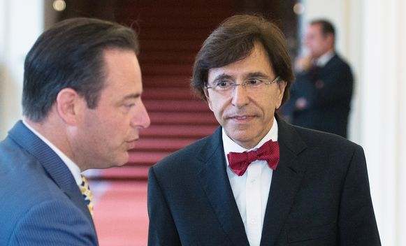 N-VA-voorzitter Bart De Wever en PS-voorzitter Elio Di Rupo. Slagen zij er de komende maanden in samen een regering te vormen, of moeten we toch opnieuw naar de stembus.