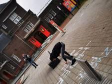 Stoepkrijtactie tegen Zwarte Piet in Weert en Nederweert, leuzen weer weggeschrobd