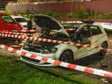 Auto volledig uitgebrand in Zwijndrecht