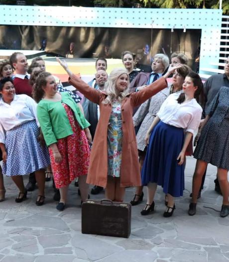 VOS uit Oisterwijk pakt amateur award met musical Petticoat