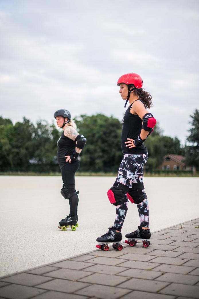 Maria Damming bij haar sport Rollerderby in Arnhem.