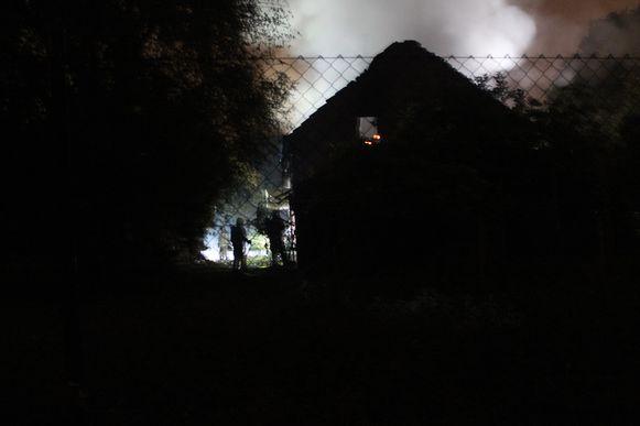 Brandweerpost Hasselt moest een groot deel van de nacht nablussen.