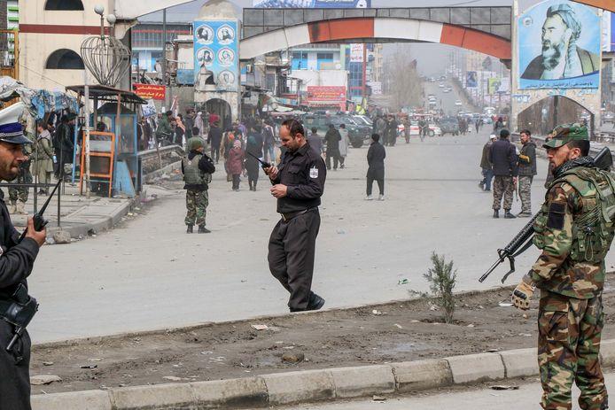 Afghaanse veiligheidsdiensten op straat na de aanslag.