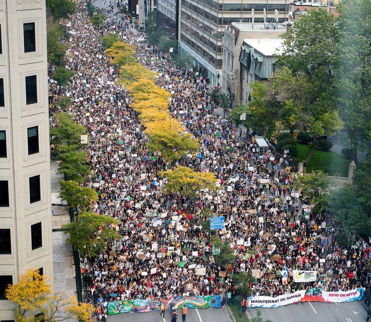 Meer dan 500.000 mensen namen vandaag deel aan een klimaatbetoging in Montreal.