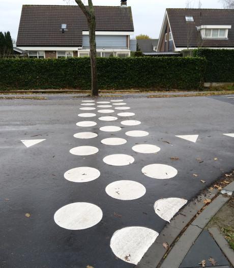 Witte stippen in Nieuwerkerk worden pas in oktober strepen