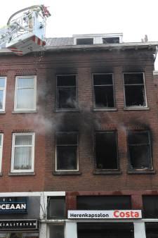 Vernietigde Kenan B. bij fatale brand aan Hilledijk bewijsmateriaal van tien jaar oude moord?