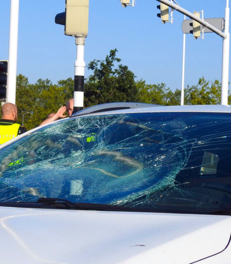 Fietser gewond door ongeluk met auto in Veldhoven