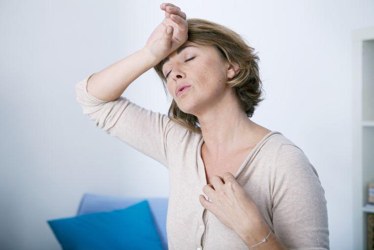 Opvliegers en een wisselend humeur zijn typische klachten van de menopauze, maar deze veranderingen zijn minder bekend.