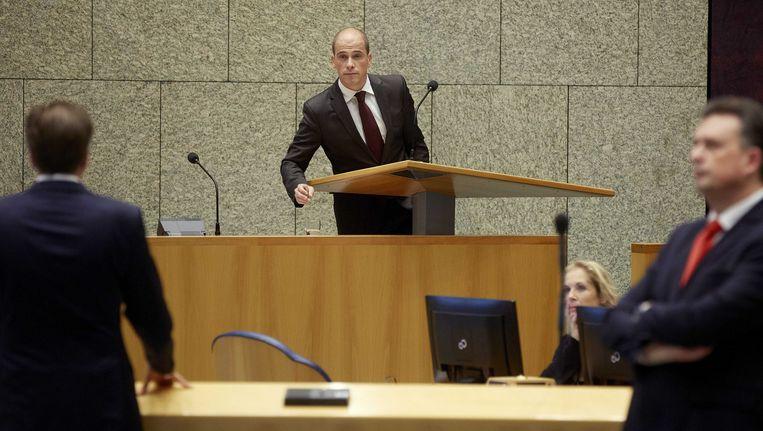 PvdA-fractievoorzitter Diederik Samsom (M), D66-leider Alexander Pechtold en SP-leider Emile Roemer (R) tijdens de Algemene Politieke Beschouwingen in de Tweede Kamer. Beeld anp