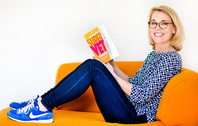 Auteur Maaike de Vries met haar nieuwe boek Hoe word ik een supervetverbrander.