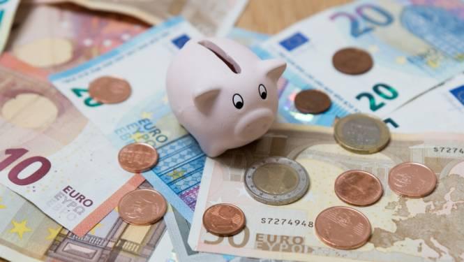 "Kleinzoon plundert spaarrekening van grootmoeder: ""35.000 euro onder dwang moeten afstaan"""