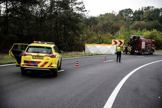 Door een ongeval met een motorrijder is de verbindingsweg tussen A50 en de A12 bij knooppunt Grijsoord dicht.