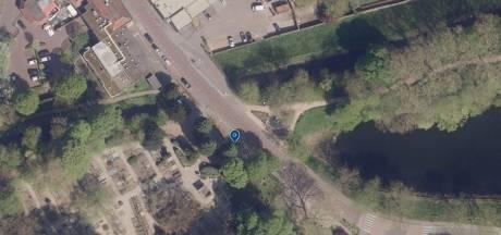 Bestuurder gaat ervandoor na ongeluk met gehandicaptenvoertuig in Zaltbommel