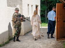 Militairen oefenen in Museumpark Orientalis en treffen enkele slavinnen aan