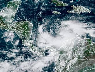 """""""Uiterst gevaarlijke"""" orkaan nadert Midden-Amerika, nog geen twee weken na de vorige"""