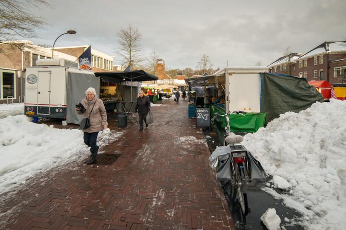 Op dinsdag 12 december was er weinig klandizie voor de ondernemers op de weekmarkt in Ermelo.