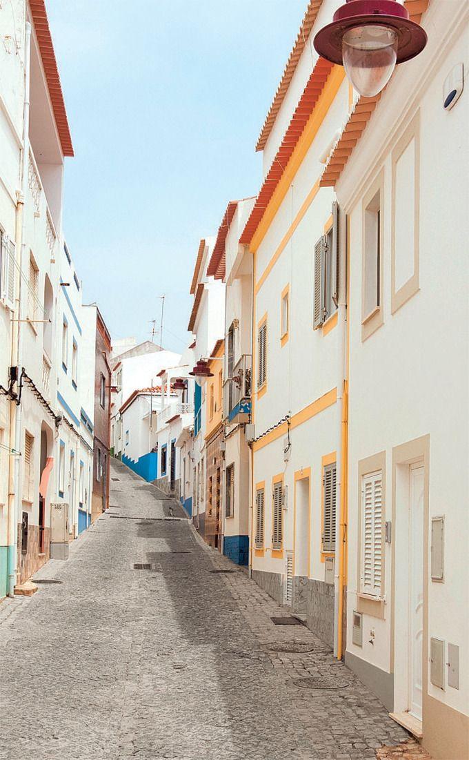 Vila do Bispo, een ingeslapen dorpje tussen Sangres en Carrapateira.