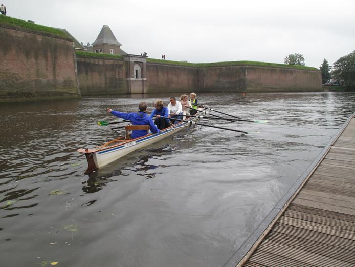 Een van de boten van De Hertog in actie.