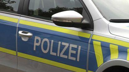 Tachtigjarige rijdt Duitse politie klem om weg te vragen