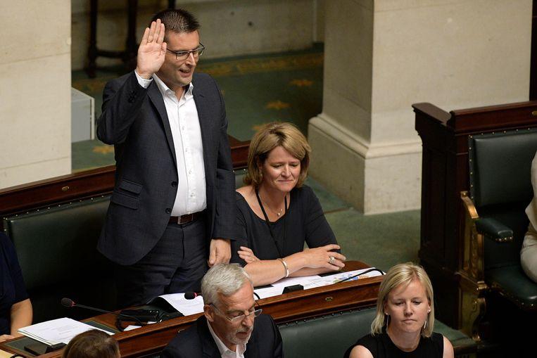 Moerbeeks burgemeester Robby De Caluwé  zetelt voor de Open Vld ook in het federaal parlement.