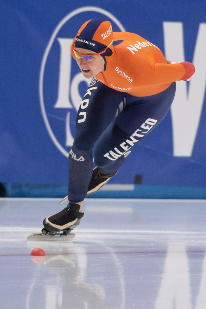 epa08022630 Ireen Wust of Netherlands in action during the women's 1500 m race of the ISU Speed Skating World Cup in Tomaszow Mazowiecki, central Poland, 24 November 2019.  EPA/Grzegorz Michalowski POLAND OUT