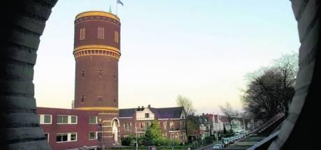 Met aandelen uit een oude kast van de watertoren eist incassobureau deel van Brabant Water op