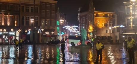 Burgemeester Snijders over avondklokrellen in Zwolle: 'Volstrekt onacceptabel'