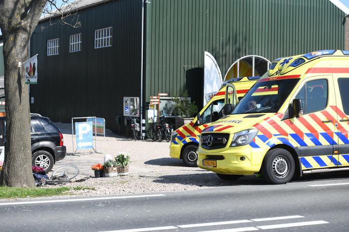 Op de Nieuwveenseweg bij Zevenhoven heeft een aanrijding tussen een fietser en een auto plaatsgevonden.