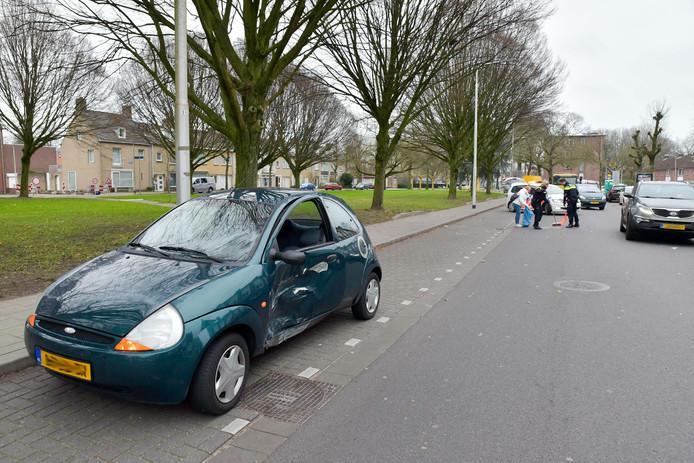 Een vrouw raakte gewond bij het ongeluk op het Burgemeester van de Mortelplein in Tilburg.