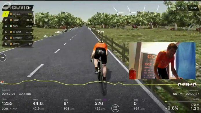 Een videostill van gisteren, toen Greg van Avermaet de virtuele Ronde van Vlaanderen won.
