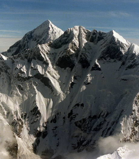 Smeltend ijs Mount Everest legt steeds vaker omgekomen klimmers bloot