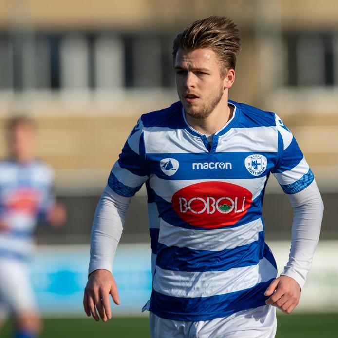 Tim Brinkman debuteerde afgelopen zaterdag voor tweededivisionist Spakenburg, in de competitiewedstrijd in en tegen Noordwijk (0-3 zege).