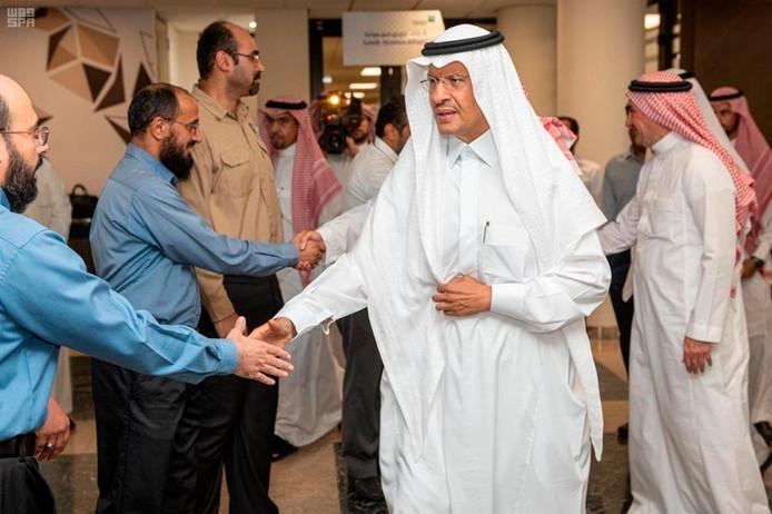 Le ministre saoudien de l'Énergie a déclaré que le royaume utilisera ses vastes stocks pour compenser la perte de production.